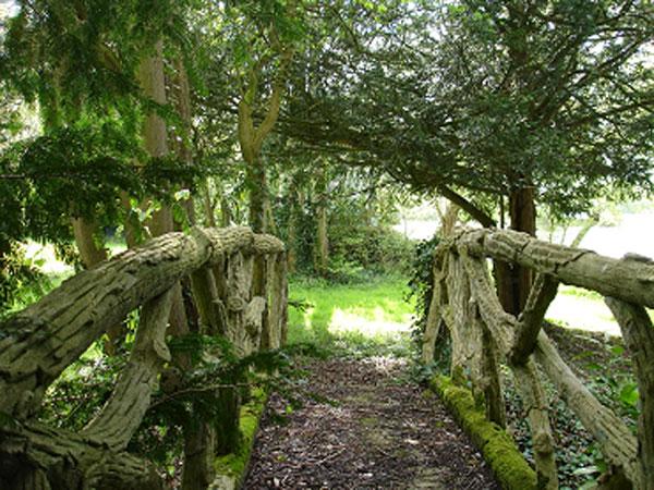 Pont en faux bois